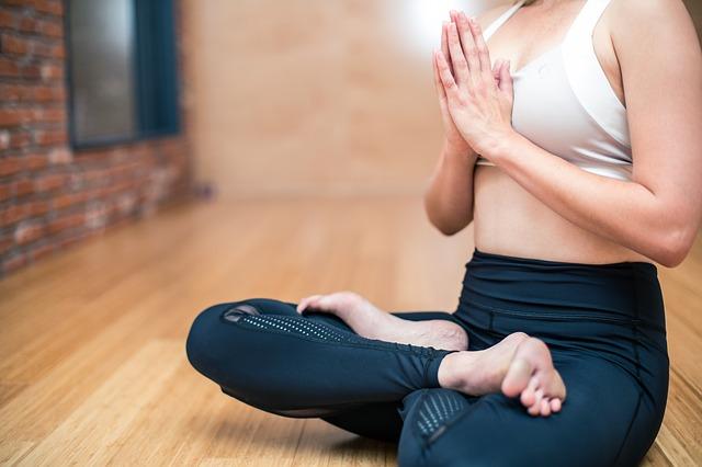 7 Claves para meditar, aquietar la mente y alejar pensamientos negativos