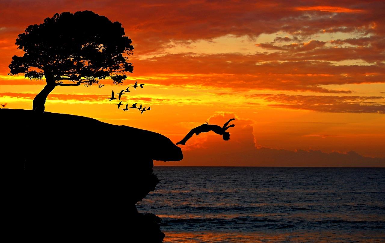 ME DECLARO VIVO! Poema de Chamalú sobre la Felicidad